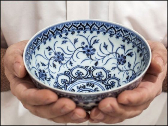 کباڑ میں خریدا گیا معمولی پیالہ 11 کروڑ روپے میں نیلام