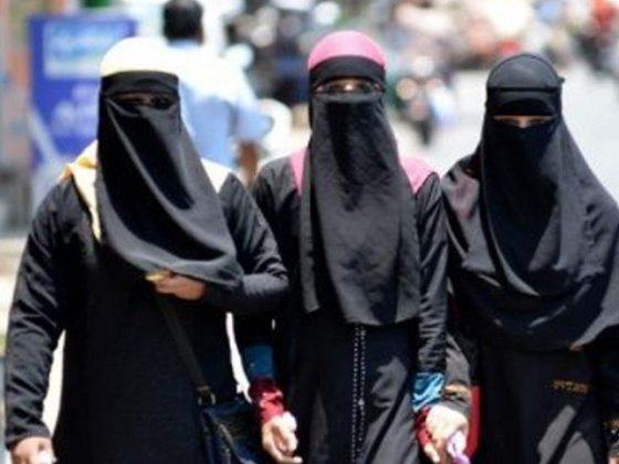 بی جے پی کے وزیر کا بھارت میں برقع پر پابندی کا مطالبہ