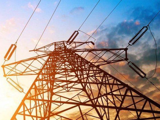 عوام پر مزید 700 ارب کا بوجھ؛ وفاقی حکومت کو بجلی مہنگی کرنے کا اختیار مل گیا