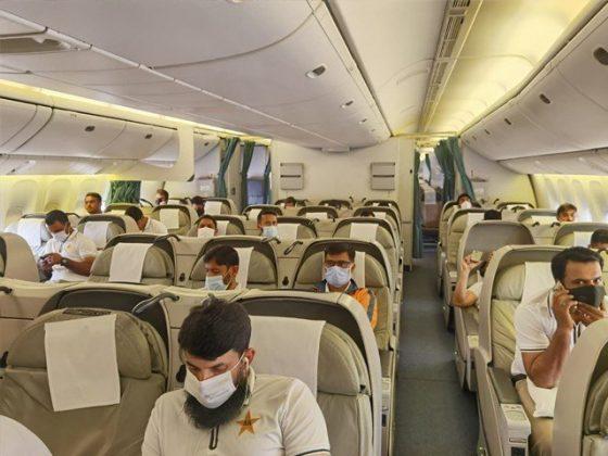 پی آئی اے کی پرواز قومی ٹیم کو لیکر جنوبی افریقا روانہ