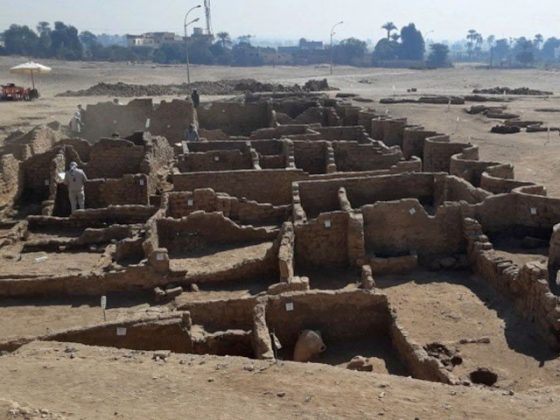 مصر کے ریگستان میں 3 ہزار سال قدیم 'سنہری شہر' دریافت