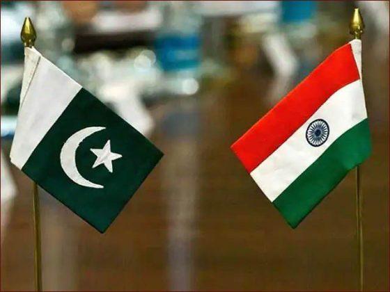 کورونا کی تباہ کاریاں؛ پاکستان نے بھارت کو مدد کی پیشکش کردی