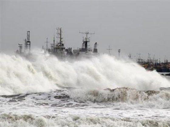 پاکستان کی ساحلی پٹی پر طوفان کا خطرہ ٹل گیا