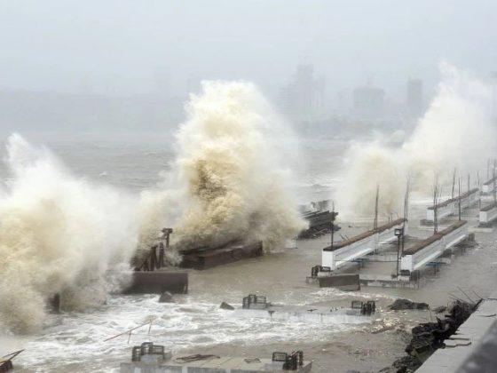سمندری طوفان 'تاؤ تے' بھارت کے ساحل سے ٹکرا گیا،21 افراد ہلاک