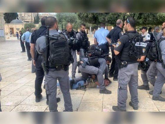 اسرائیلی پولیس کا مسجد الاقصی میں نمازیوں پر پھر تشدد، 6 فلسطینی گرفتار