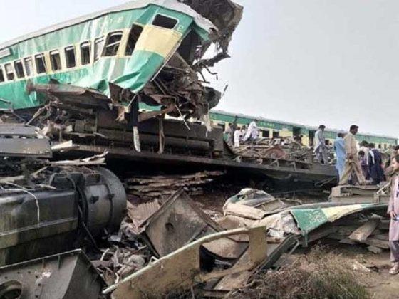 گھوٹکی کے قریب 2 مسافر ٹرینوں میں تصادم سے 36 افراد جاں بحق، درجنوں زخمی