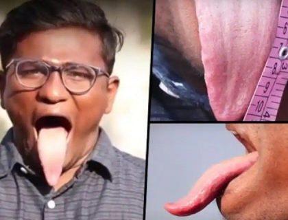 دنیا کی سب سے لمبی زبان رکھنے والا بھارتی نوجوان